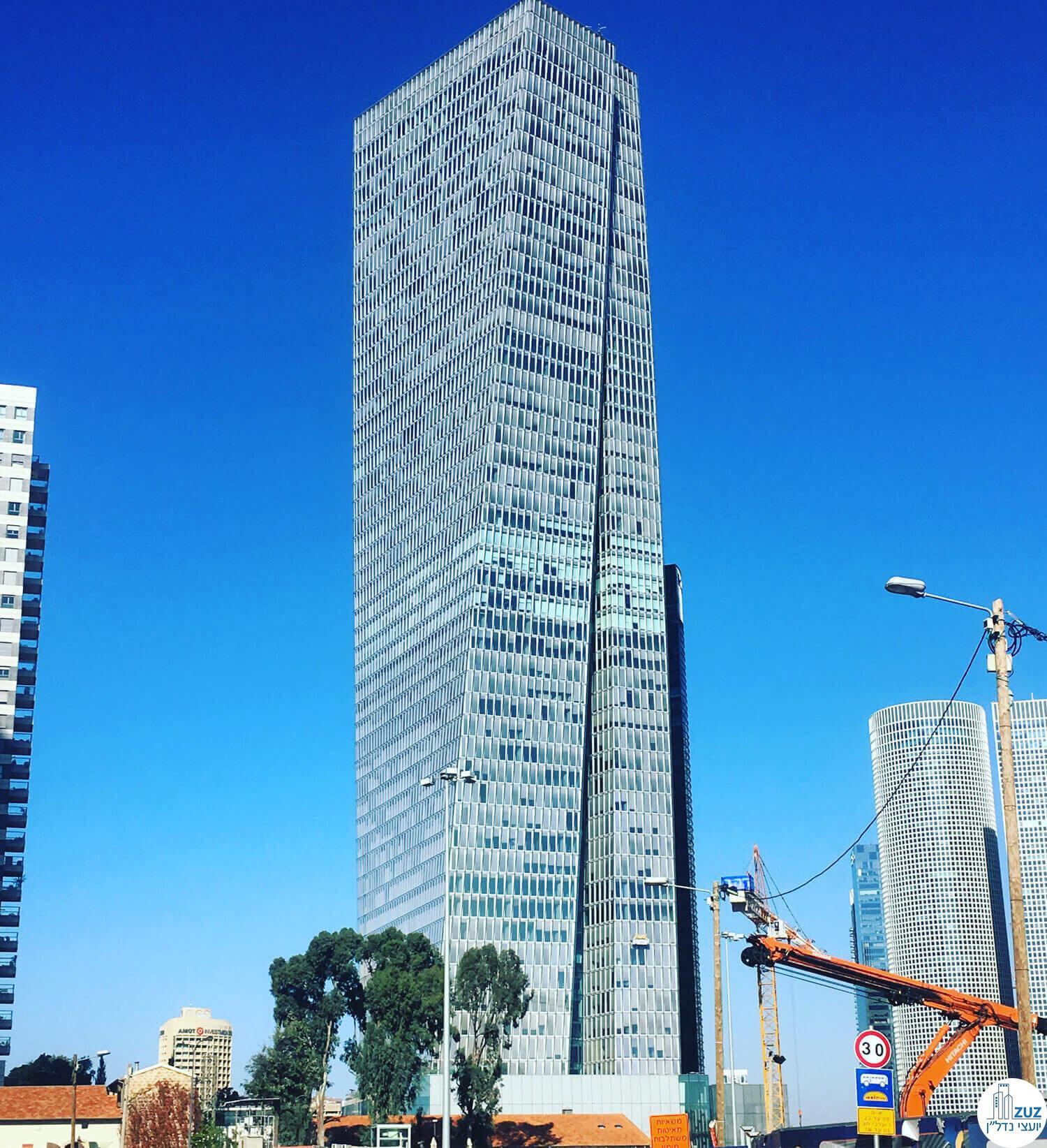 מקום ראשון בטופ 5  מגדל עזריאלי שרונה תל אביב