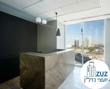 עמדת קבלה במשרד במגדל we תל אביב