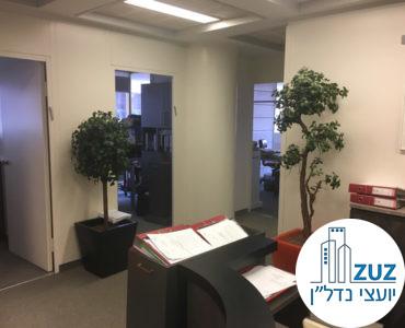 עמדת כניסה במשרד בבית אסיה תל אביב