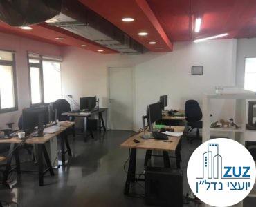 אופן ספייס מחולק לעמדות מחשבים במשרד בשכונת מונטיפיורי תל אביב