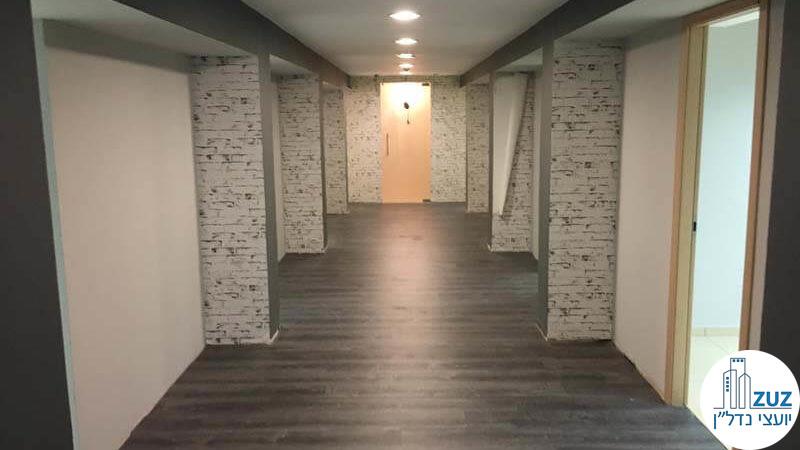 מסדרון גדול במשרד בבית אמות הקירה תל אביב