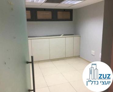 חדר במשרד בבית אמות הקירה תל אביב