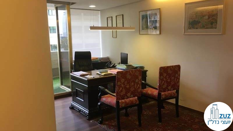 """חדר מנכ""""ל במשרד בבית אסיה תל אביב"""