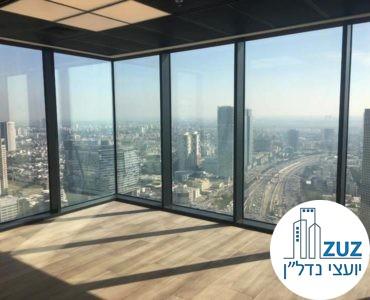 חדר עם חלונות מסך במשרד במגדל מידטאון תל אביב