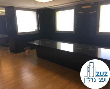 חדר ישיבות במשרד במגדל פסגות תל אביב