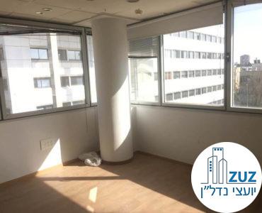 חדר פינתי במשרד ברחוב יגאל אלון תל אביב