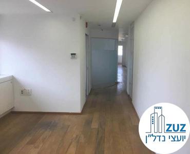 פינת כניסה במשרד בבית יעבץ תל אביב