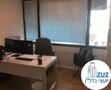 חדר עבודה במשרד במגדל אמות השקעות תל אביב