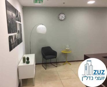 פינת כניסה במשרד במגדל המוזיאון תל אביב