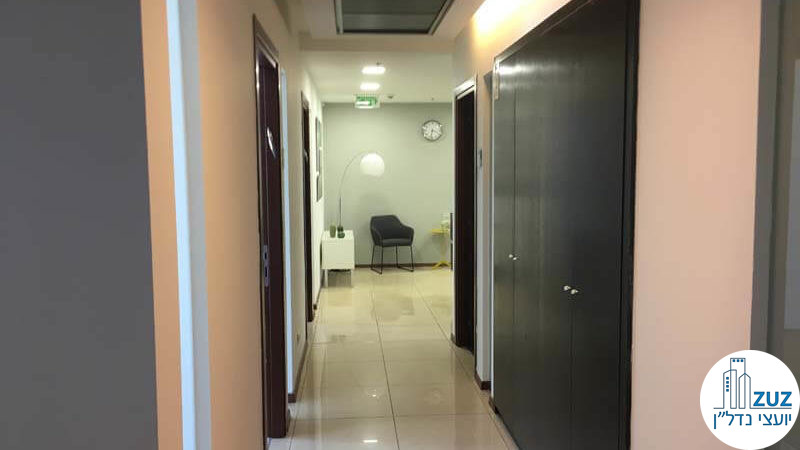 מסדרון במשרד במגדל המוזיאון תל אביב
