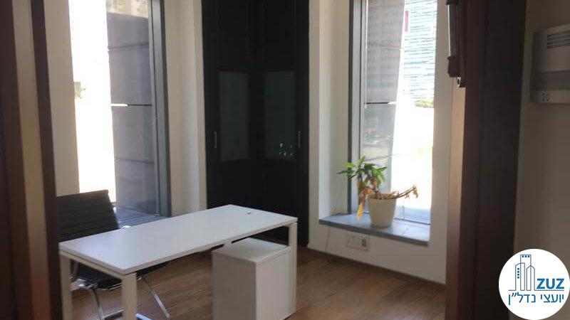 חדר מנכל במשרד במגדל המוזיאון תל אביב