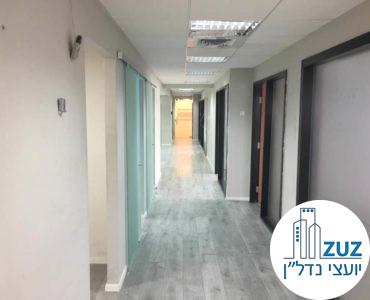 מסדרון במשרד בנחלת יצחק תל אביב