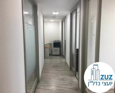 מסדרון במשרד במתחם בית המשפט תל אביב
