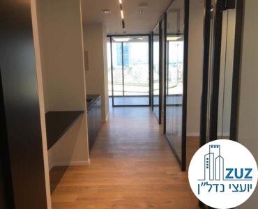 מסדרון במשרד במגדל הארבעה צפוני תל אביב