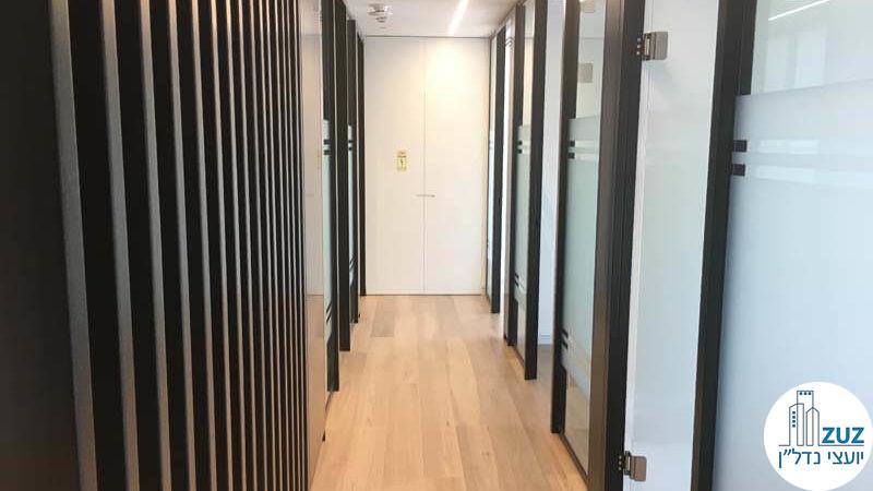 מסדרון במשרד במגדל מידטאון תל אביב