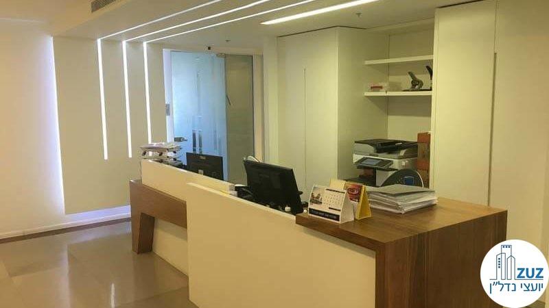 עמדת קבלה במשרד ברחוב המסגר תל אביב