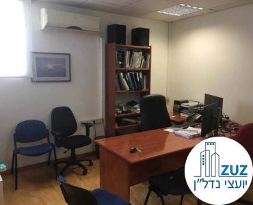 חדר מרוהט במשרד בשכונת מונטיפיורי תל אביב