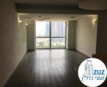 פינת כניסה במשרד במרכז ויצמן תל אביב