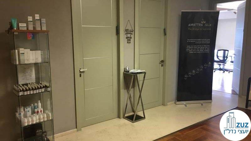 כניסה לחדרים במשרד במגדל ויצמן תל אביב
