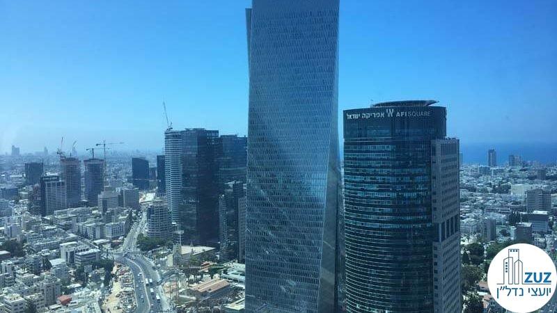 נוף של מגדלים במשרד במגדל עזיראלי משולש תל אביב