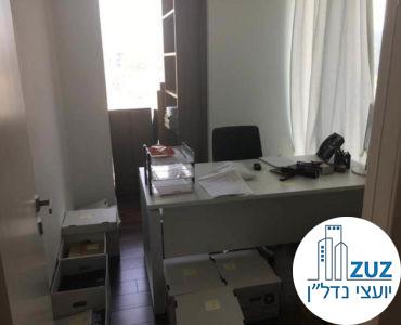 חדר במשרד במגדל אלקטרה סיטי תל אביב