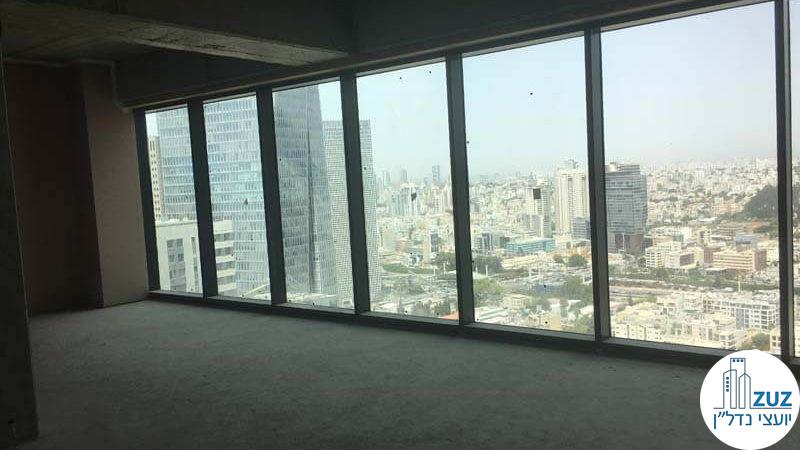 חלונות במשרד במגדלי הארבעה תל אביב
