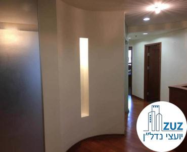םינת כניסה במשרד בבית קרדן תל אביב