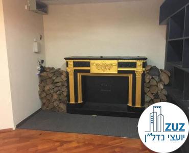 קמין בחדר ישיבות במשרד בבית קרדן תל אביב