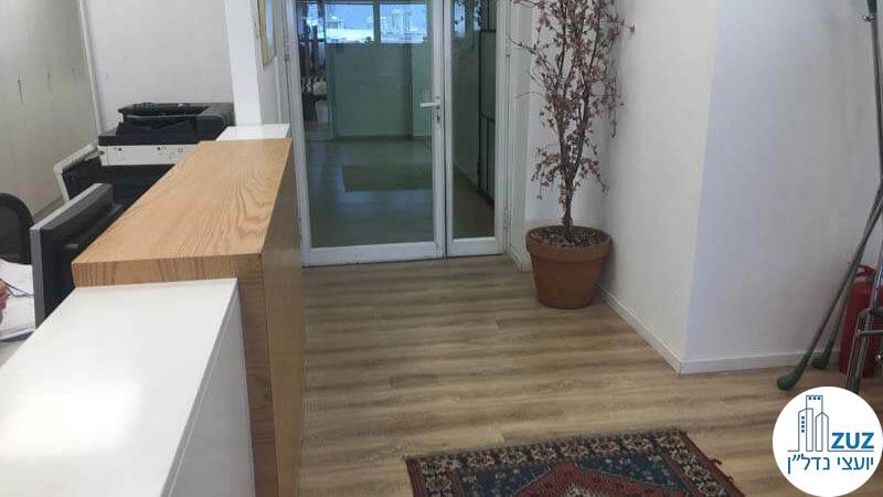 פינת כניסה במשרד במגדלי שקל תל אביב
