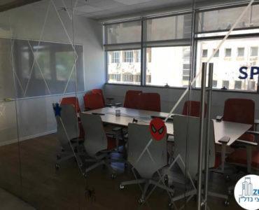 חדר ישיבות במשרד בבית אמפא תל אביב