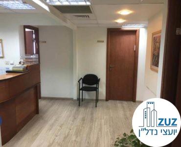 פינת כניסה במשרד בבית הדר דפנה תל אביב