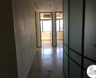 מסדרון במשרד במגדל נצבא תל אביב