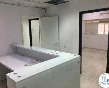 פינת כניסה במשרד ברחוב תוצרת הארץ תל אביב