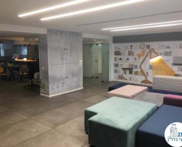 פינת כניסה במשרד בבית B.S תל אביב