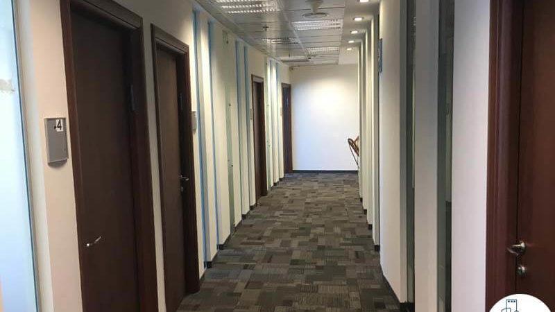 מסדרון במשרד במגדל סונול תל אביב