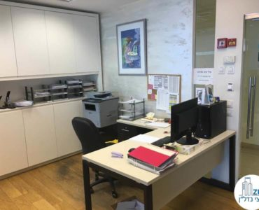עמדת מזכירות במשרד במגדל סונול תל אביב