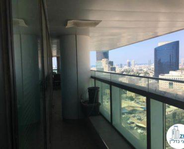 מרפסת במשרד במגדל אלקטרה סיטי תל אביב