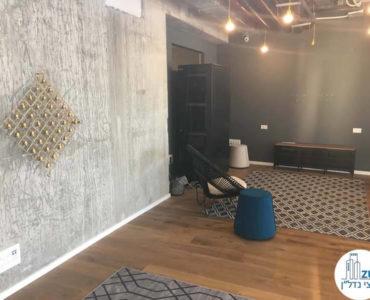 קיר מעוצב במשרד במגדל מידטאון תל אביב