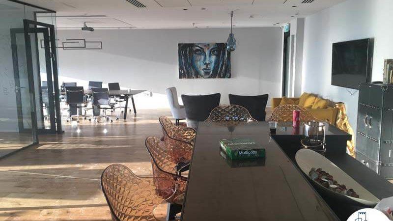 פינת אוכל במשרד במגדל מידטאון תל אביב