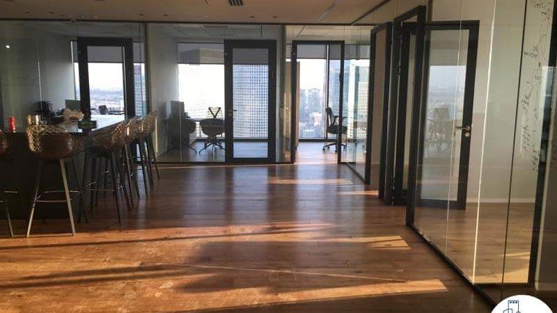 כניסה לחדרים במשרד במגדל מידטאון תל אביב