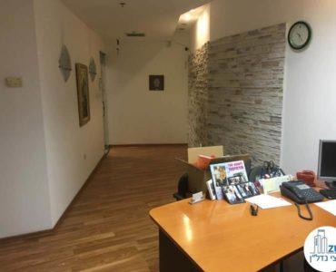 עמדת מזכירות במשרד ברחוב השרון תל אביב