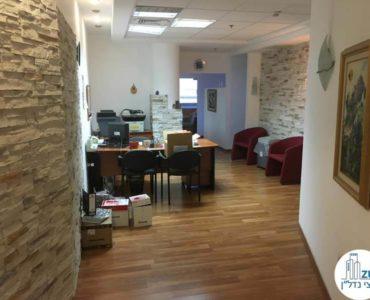 פינת כניסה במשרד ברחוב השרון תל אביב