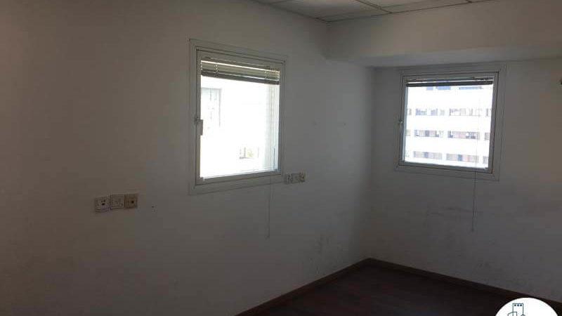 חדר במשרד ברחוב התעשייה תל אביב