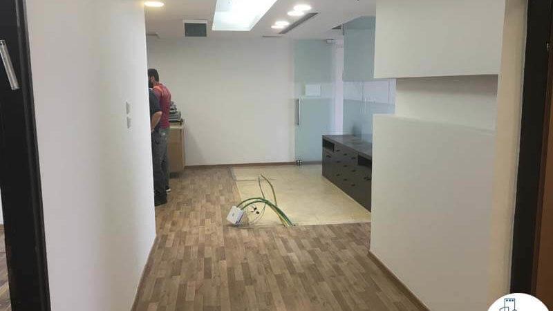 פינת כניסה במשרד בהלויל סלע 2000 תל אביב