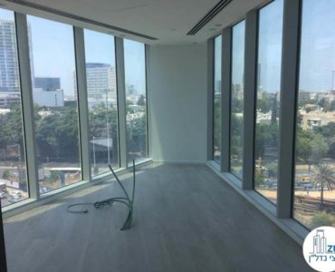 חדר ישיבות פינתי במשרד במגדל WE תל אביב