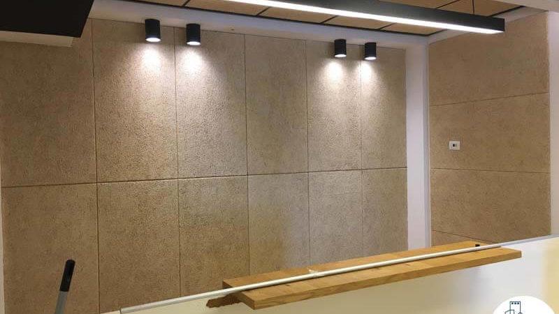 קיר מעוצב במשרד במגדל אלקטרה סיטי תל אביב