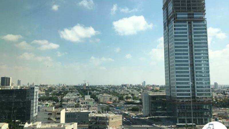 נוף במשרד במגדל אלקטרה סיטי תל אביב