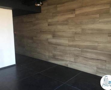 קיר מעוצב במשרד במגדלי הארבעה תל אביב