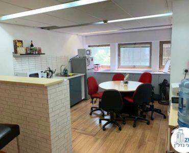 מטבח במשרד להשכרה במתחם שרונה תל אביב