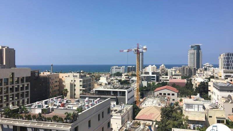 נוף לים במשרד ברחוב גרוזנברג תל אביב